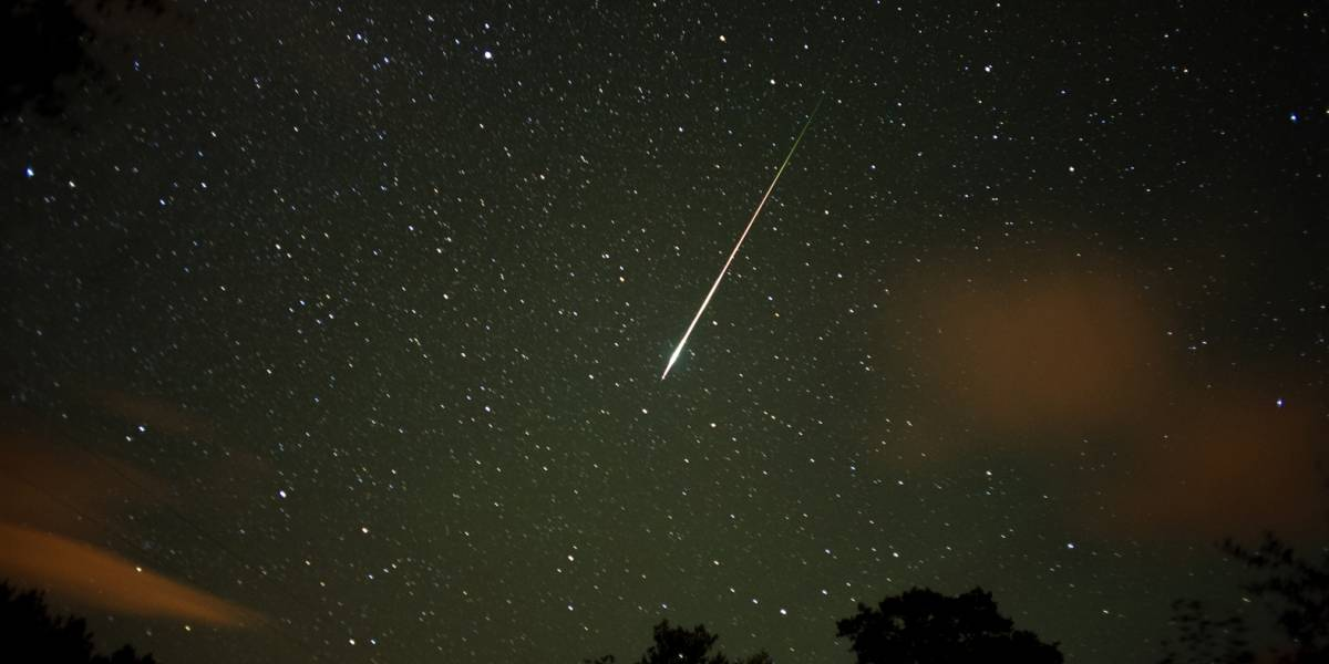 Captan hermoso meteoro desde la isla esta madrugada