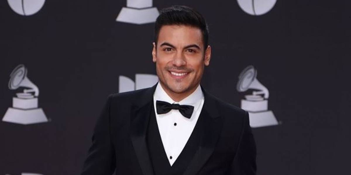 Carlos Rivera se quitó casi toda la ropa en Instagram y sus fans enloquecieron