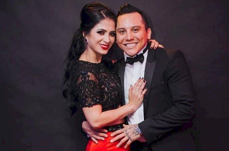 Kimberly Flores y Edwin Luna