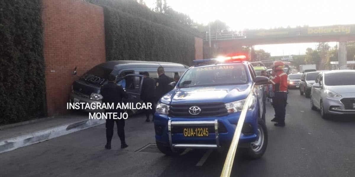 Dos muertos deja ataque armado a microbús colectivo en zona 18