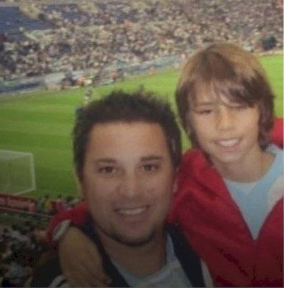 Antonio Mohamed junto a su hijo, Farid