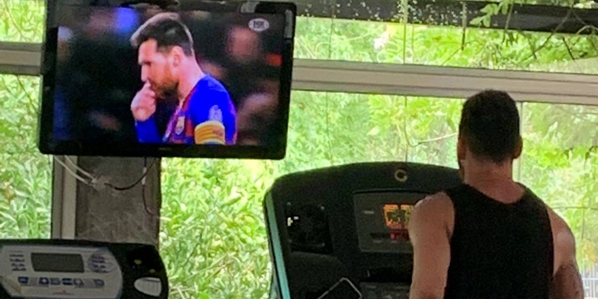 Lionel Messi entrena viendo un especial con sus mejores goles del 2019