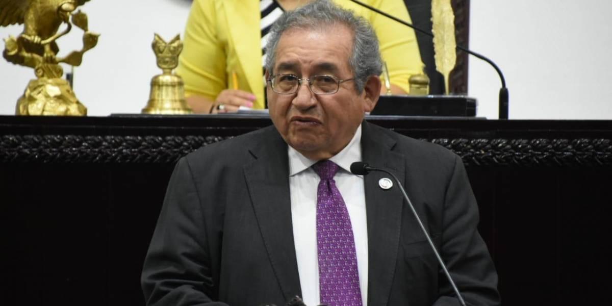 Diputados acusan a líder de Morena en Hidalgo de favores a universidad