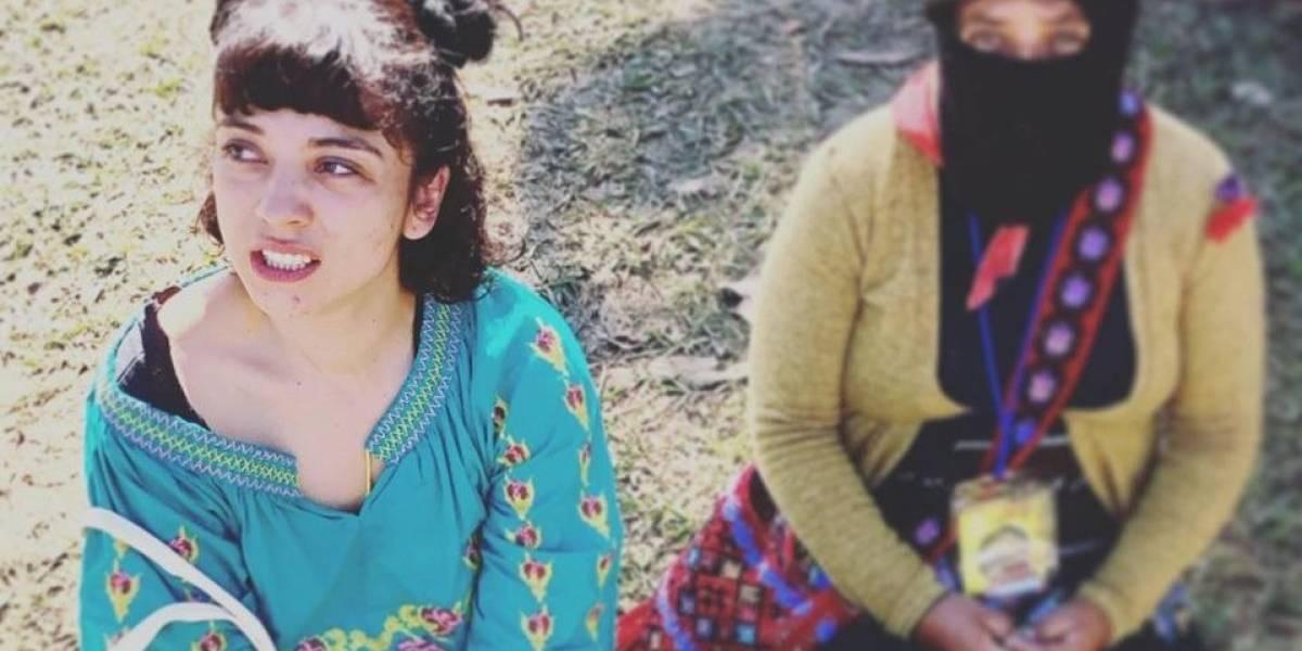 Mon Laferte sorprendió cantando y debatiendo en el segundo Encuentro de Mujeres que Luchan del Ejercito Zapatista