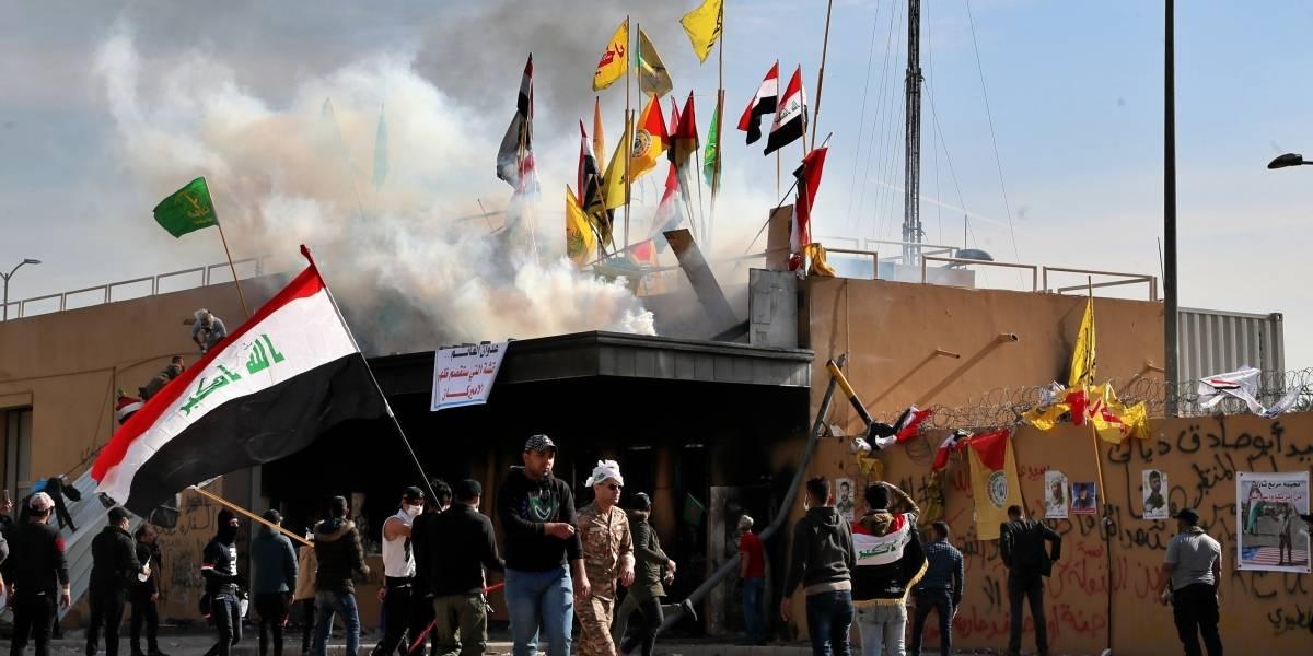 Militantes chiíes se retiran de embajada de EEUU en Irak