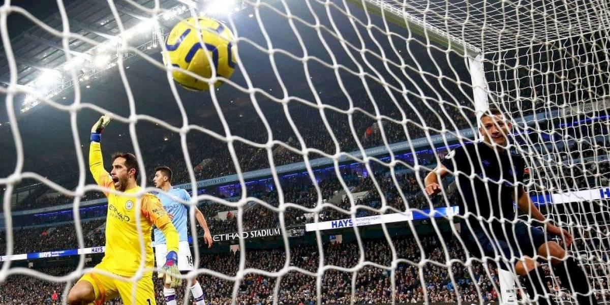 Claudio Bravo arranca el año con un error en la victoria del Manchester City sobre Everton