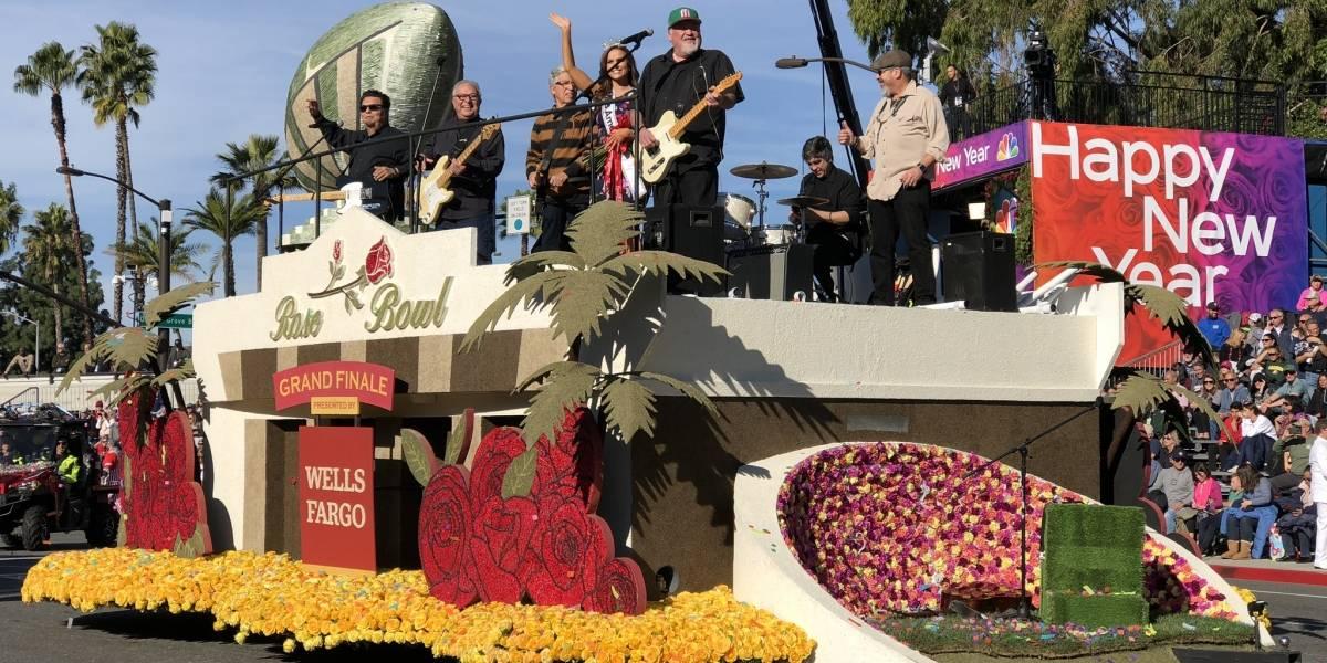 Los latinos fueron protagonistas del Desfile de las Rosas 2020