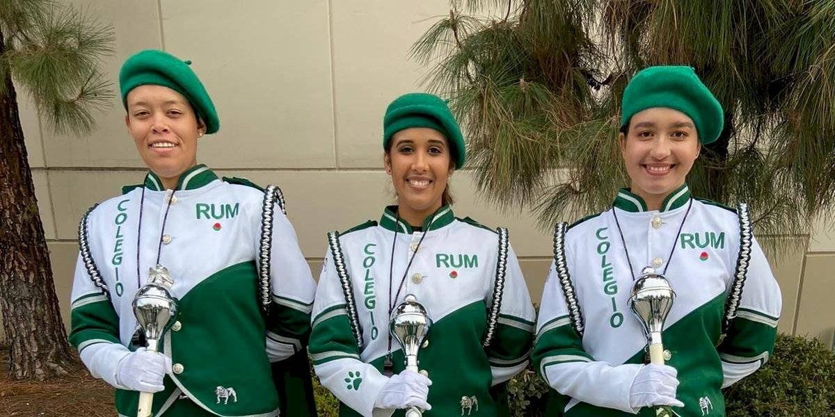 Tres chicas dirigirán la Banda Colegial en el Desfile de las Rosas