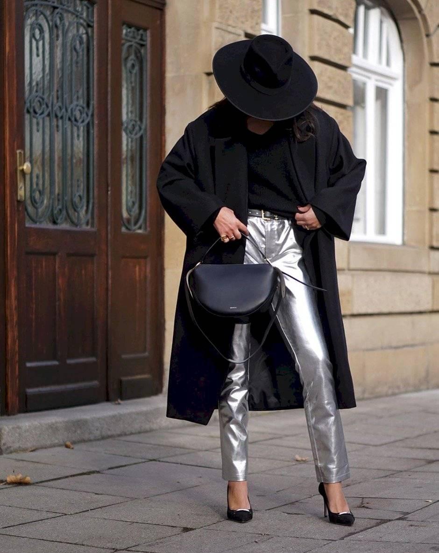 pantalones metálicos