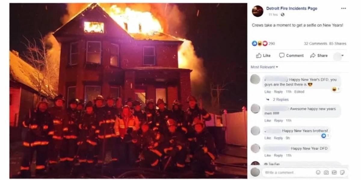 La tontera soporta las altas temperaturas: bomberos suben selfie en incendio y hacen estallar las RRSS