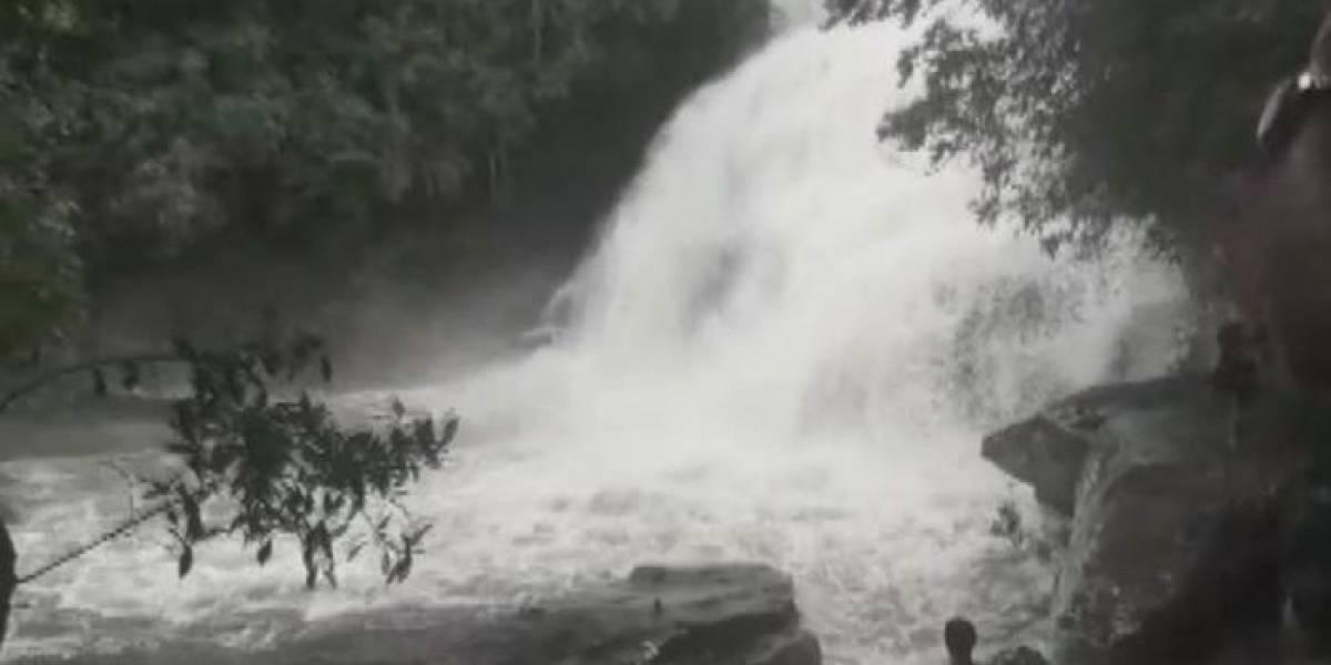Três pessoas morrem após cabeça d'água atingir cachoeira em Minas Gerais