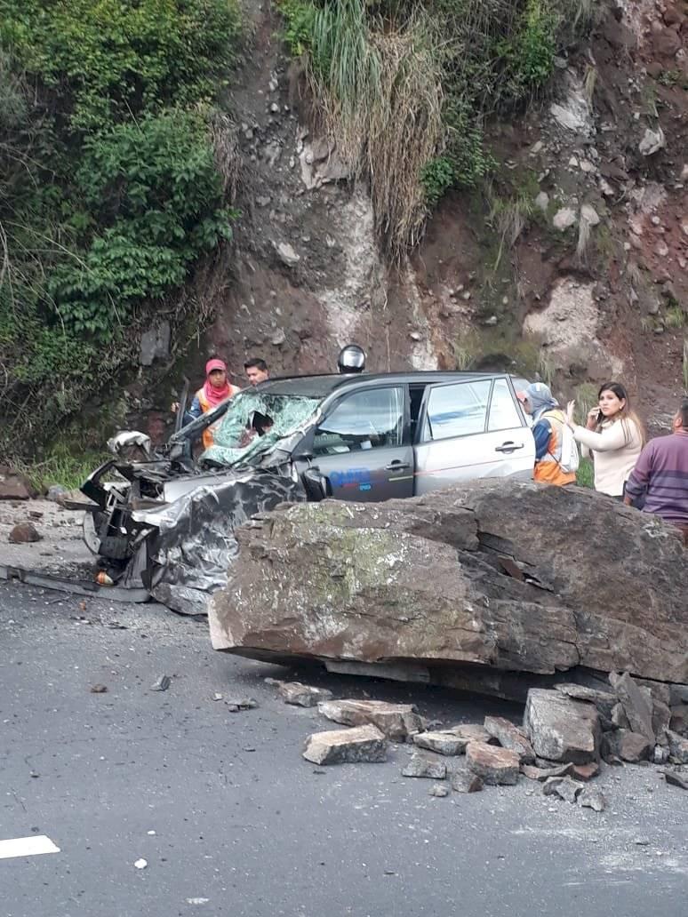Vías de Quito: Accidente en Av. Simón Bolívar