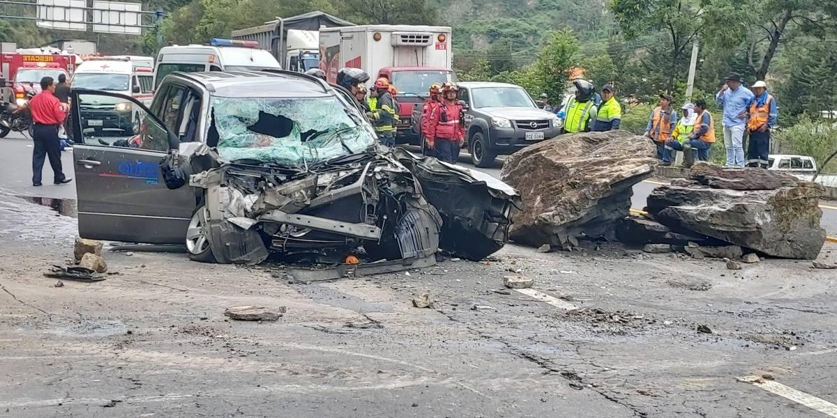 Piedra impacta sobre vehículo en Av. Simón Bolívar y deja cuatro heridos