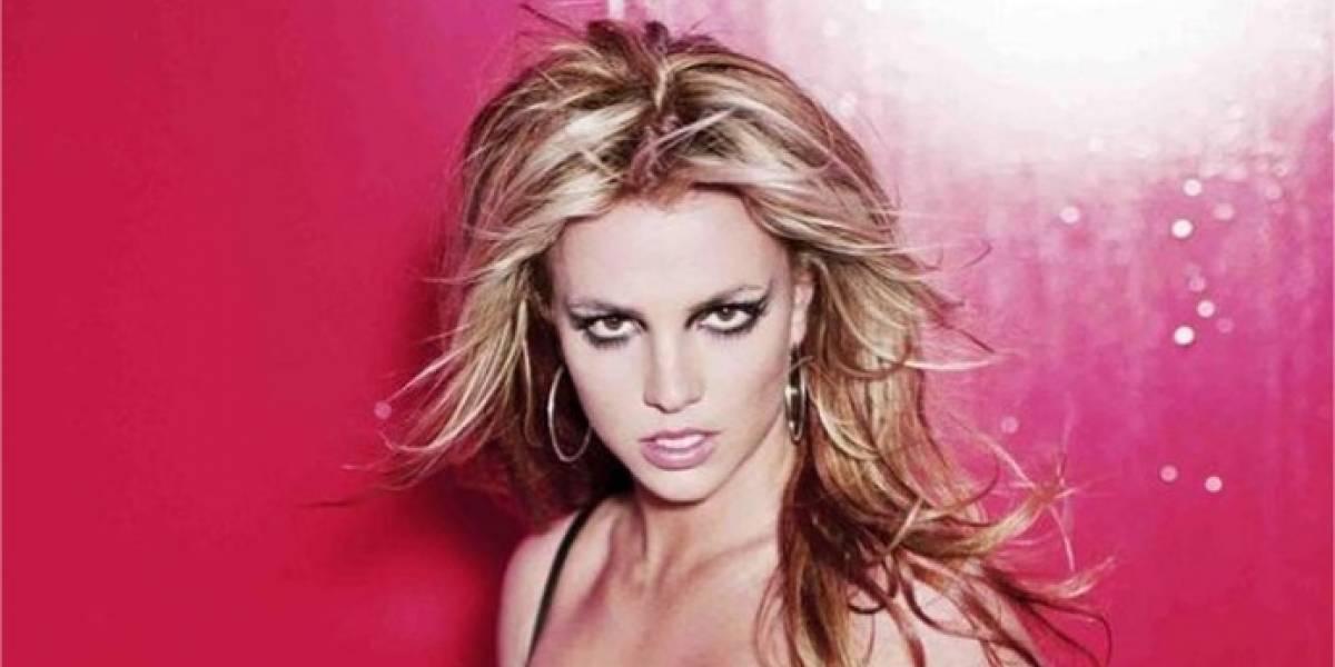 Britney Spears presume su figura en diminuto bikini