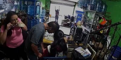 PNC evita robo en negocio en Sacatepéquez.