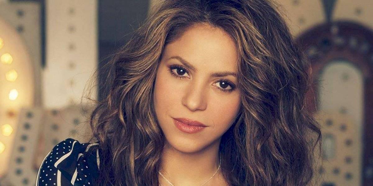 Sin miedo a las críticas, ¡Shakira comparte foto sin maquillaje y sorprende al natural!