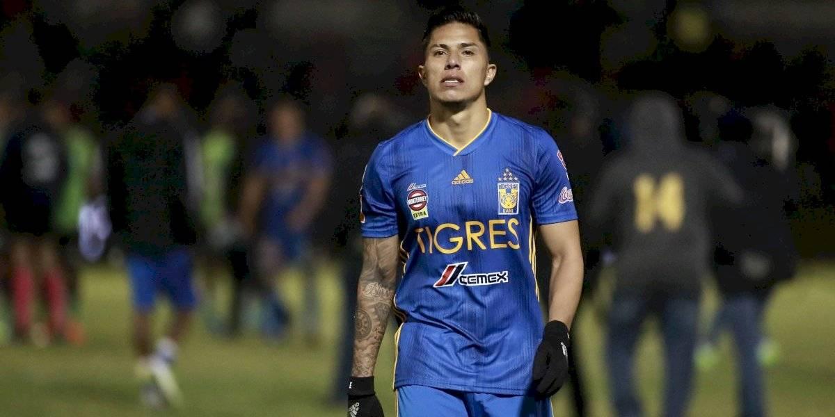 Carlos Salcedo sufre de influenza y no entrena con Tigres