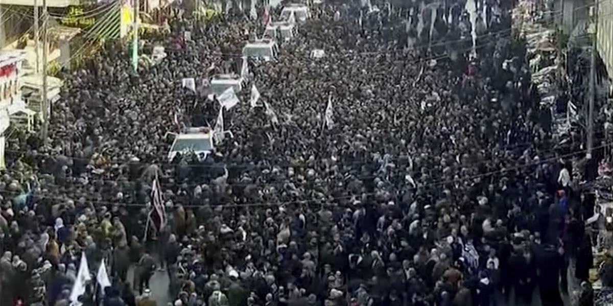 Miles en Irak despiden a general iraní muerto en ataque de EEUU