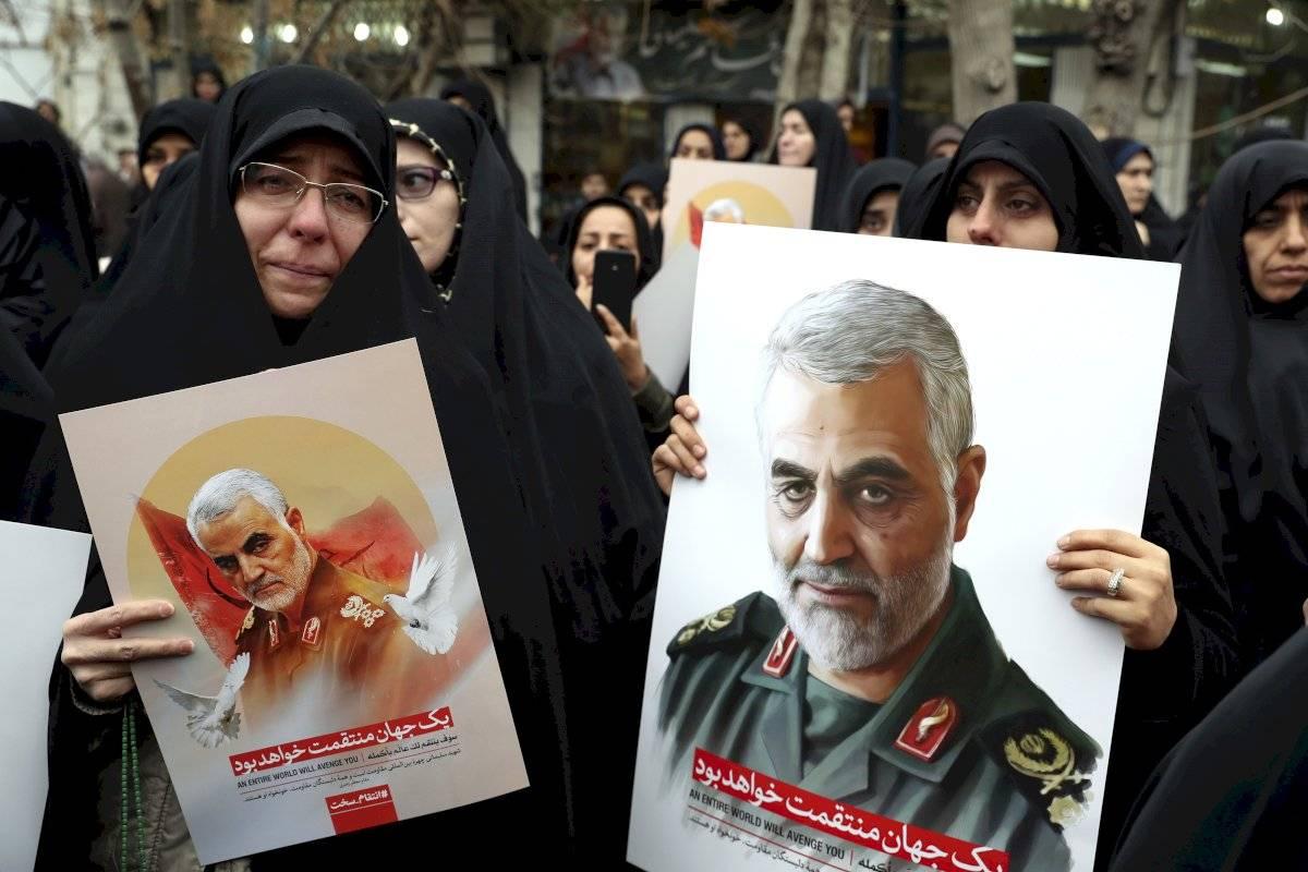 Multitudinario funeral de Soleimani en Bagdad