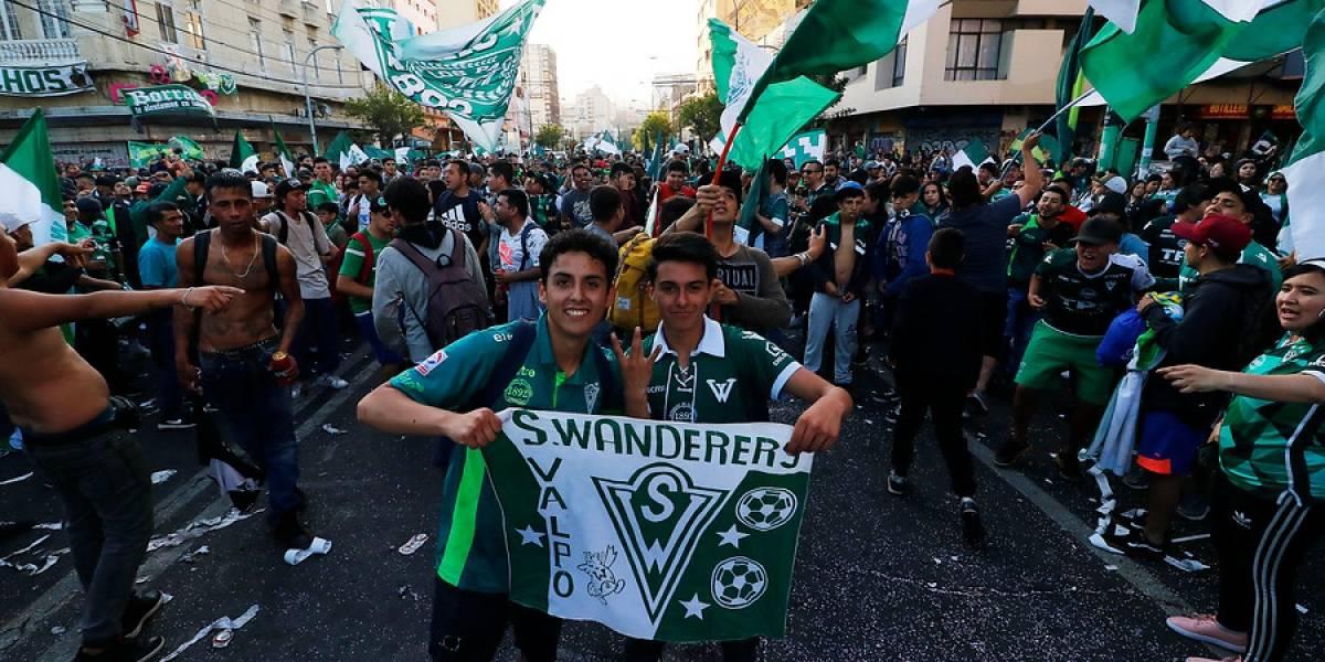 """Sociedad Anónima que controla Santiago Wanderers anunció que """"devolverá el club a sus hinchas"""""""