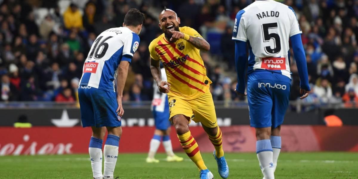 Arturo Vidal convirtió un gol en el clásico de Cataluña en medio de su polémica con Barcelona