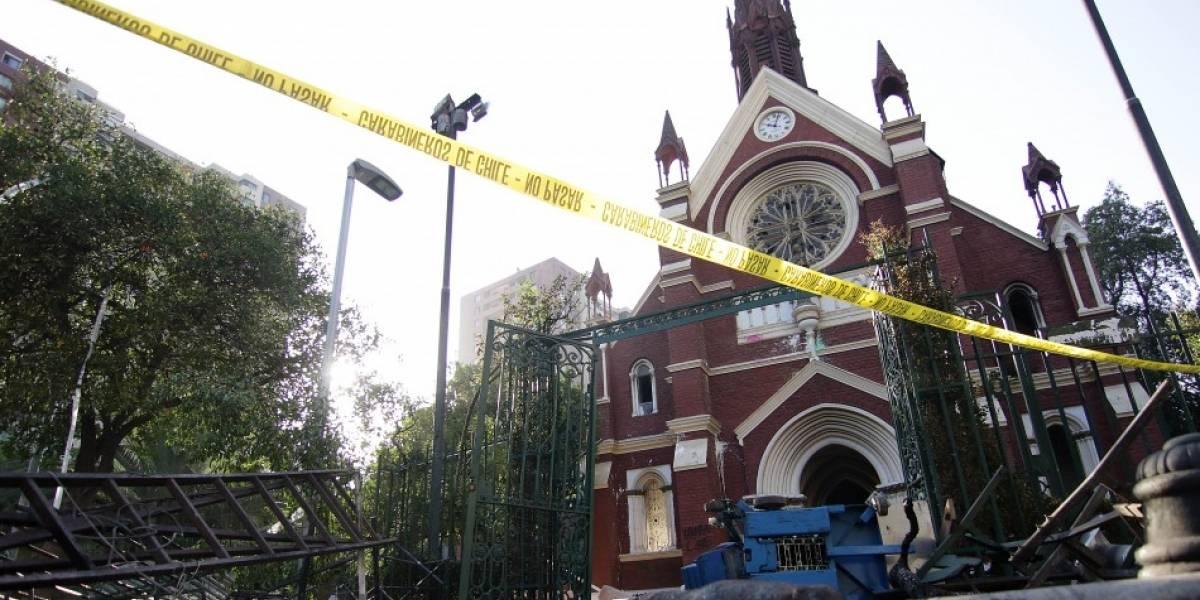 Incendio en iglesia de Carabineros: Decretaron prisión preventiva para los sospechosos