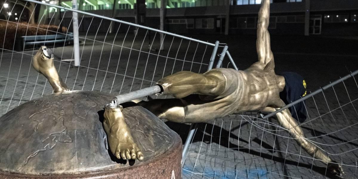 Cortan por los pies y tumban estatua del futbolista Zlatan Ibrahimovic