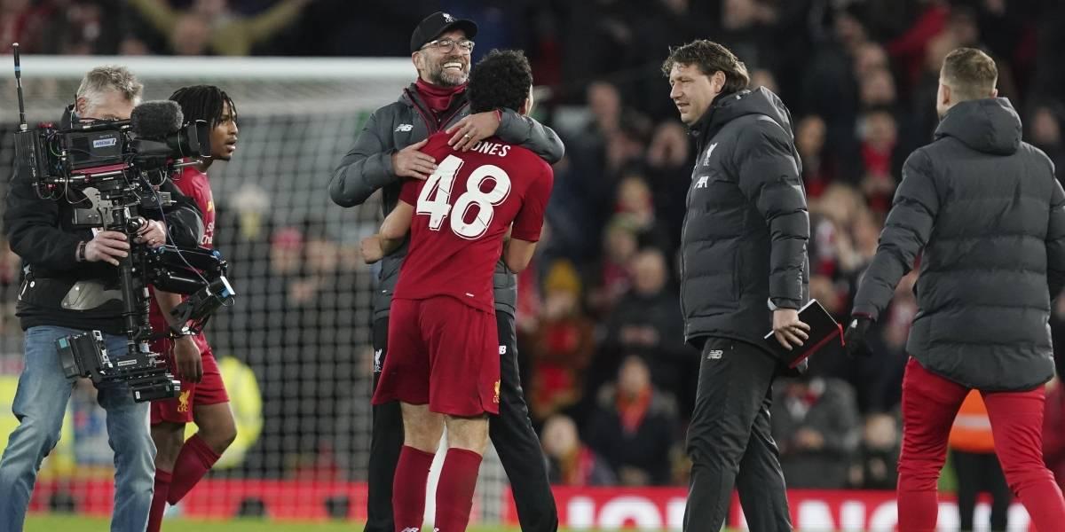 Liverpool, Chelsea y Sheffield avanzan en la Copa de Fútbol de la Asociación inglesa
