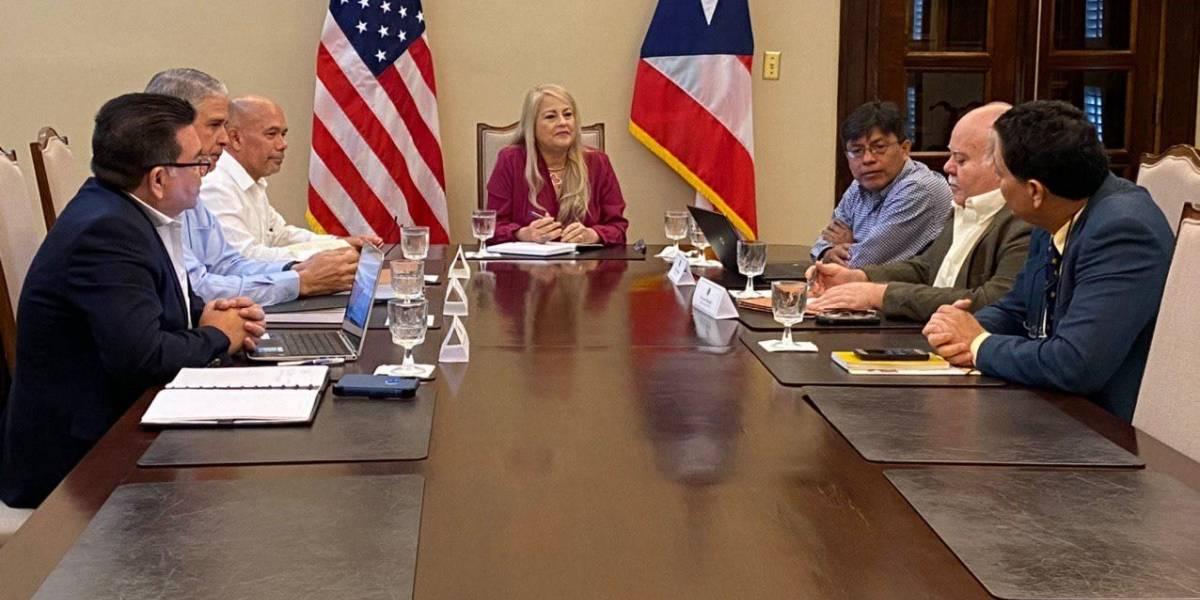 Gobernadora se reúne con miembros del componente de seguridad y expertos en sismos