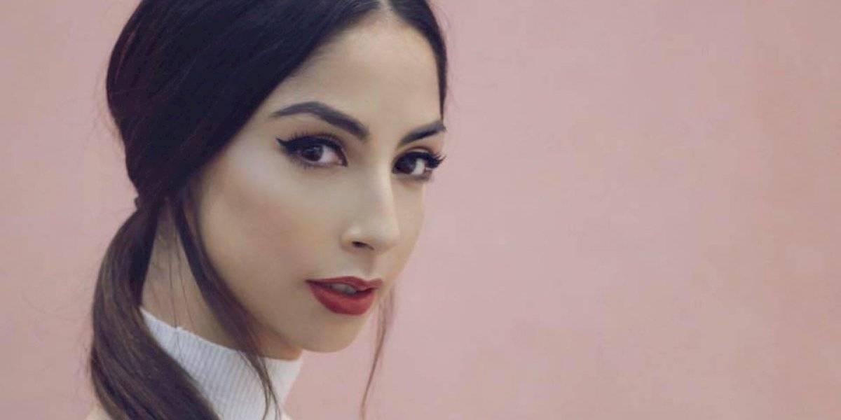 """La actriz de """"Código Fama"""", María Chacón, sufre falla de vestuario y deja ver su entrepierna"""