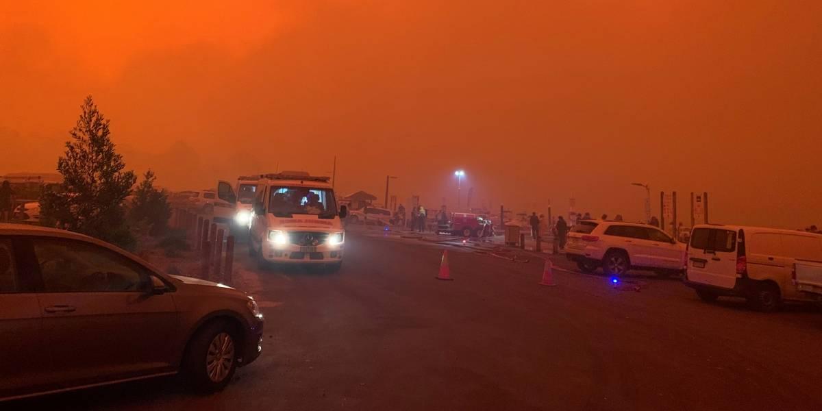 Céu ganha cor vermelha na Austrália em meio a incêndios