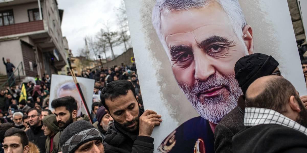 Funeral de Soleimani, general morto pelos EUA, atrai centenas de milhares
