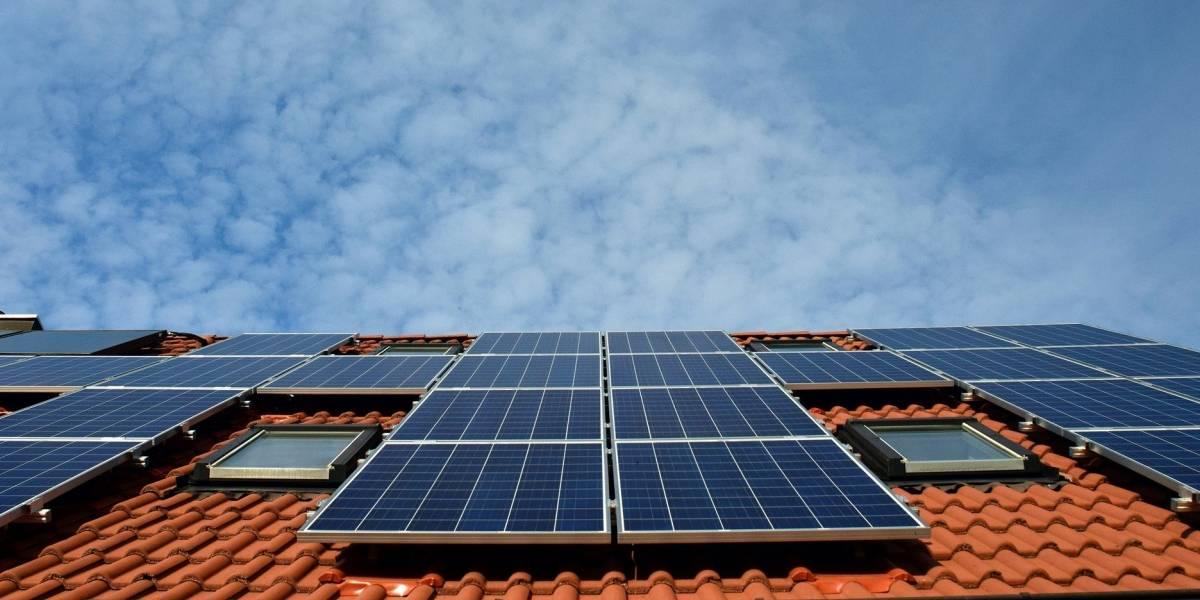 Projeto de lei vai proibir taxação de energia solar, diz Bolsonaro