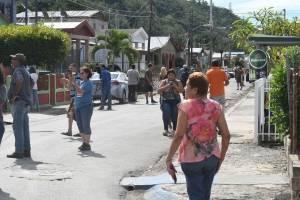 Residentes del sur de Puerto Rico en vela por constantes movimientos telúricos
