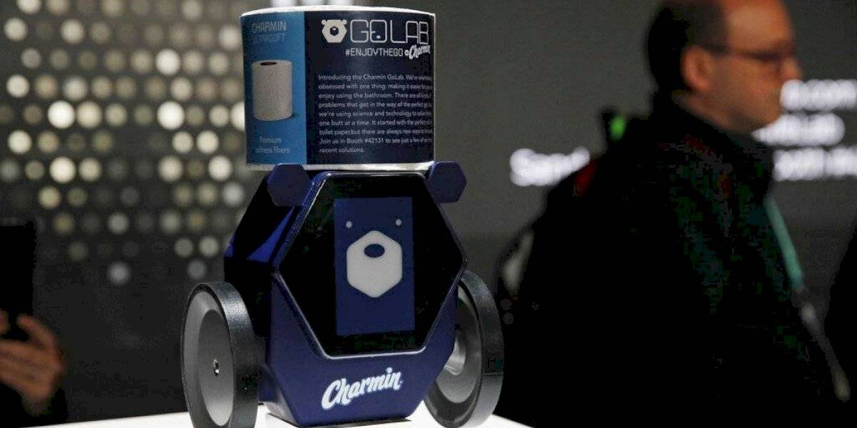 Te puede salvar de un vergonzoso problema: así es el robot que te lleva papel higiénico al baño por si se acabó en el peor momento
