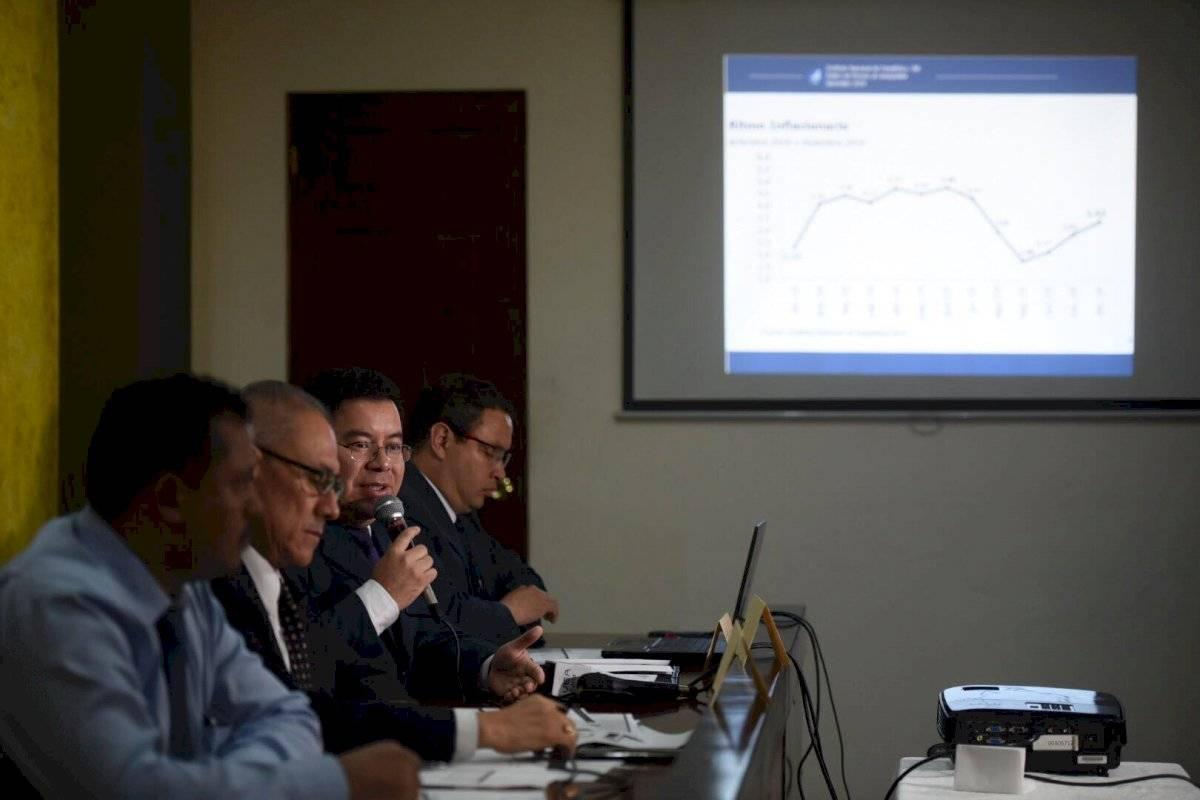 El Instituto Nacional de Estadística (INE) anunció que el costo de la canasta básica alimentaria se incrementó Q25.07 en relación al año 2018.