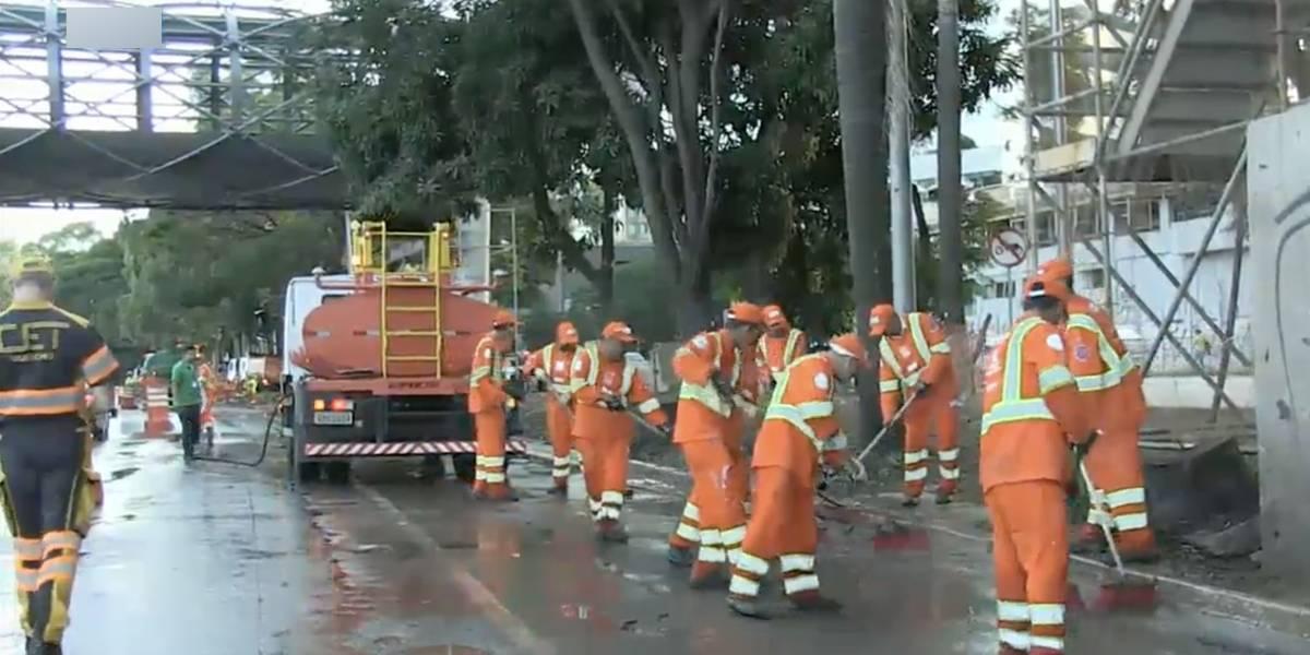 Caminhão derruba lama e interdita faixas da marginal Pinheiros