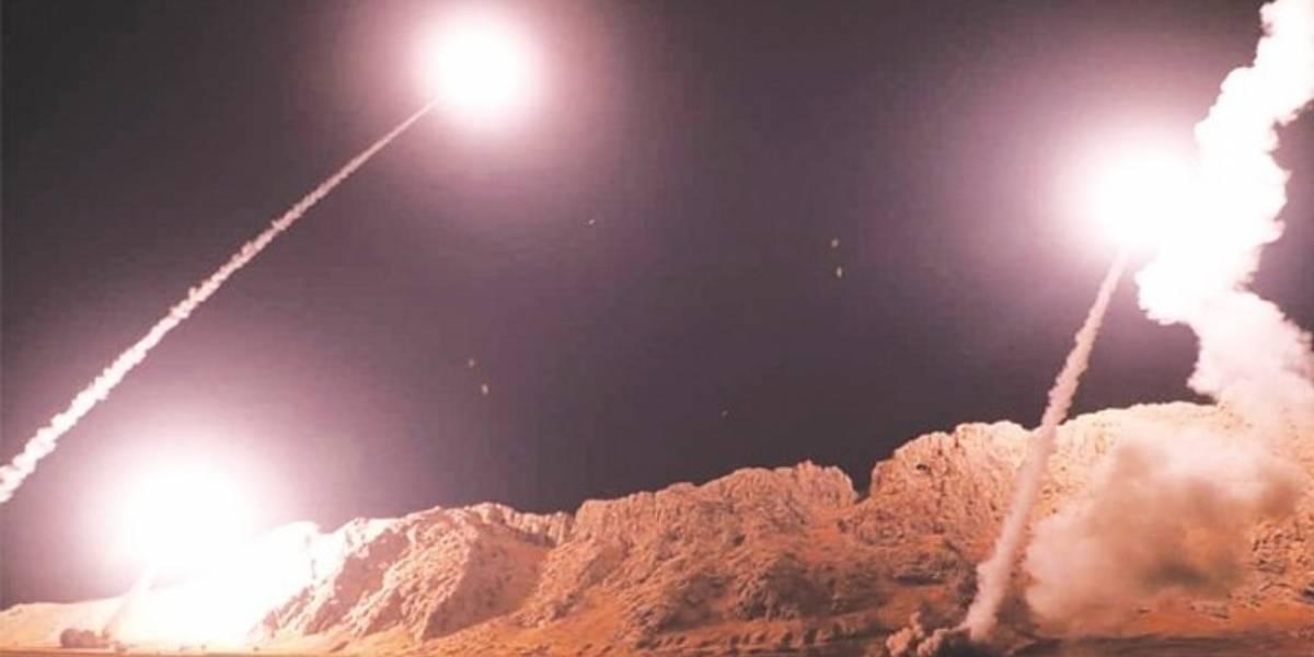El Pentágono afirma que Irán lanzó una docena de misiles contra dos bases estadounidenses
