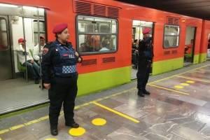 Usuario del Metro muerde y le arranca parte de la nariz a un policía