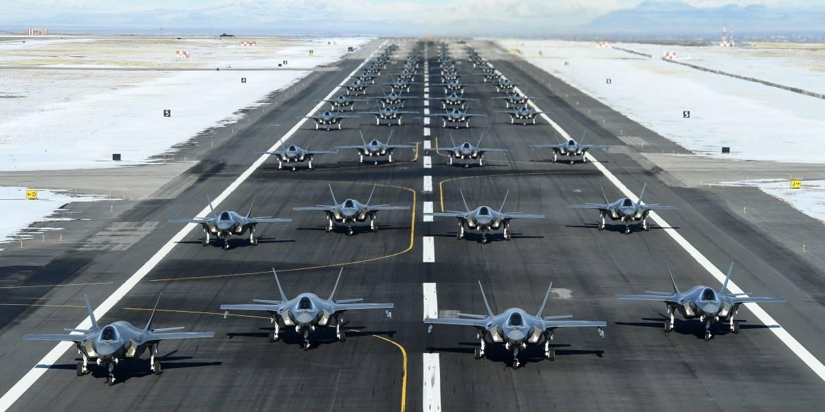 EEUU muestra 52 cazas F-35A listos para la guerra en medio de fuerte tensión con Irán