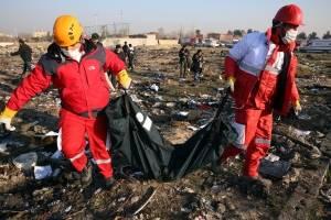 Al menos 170 muertas por tragedia de avión en Irán