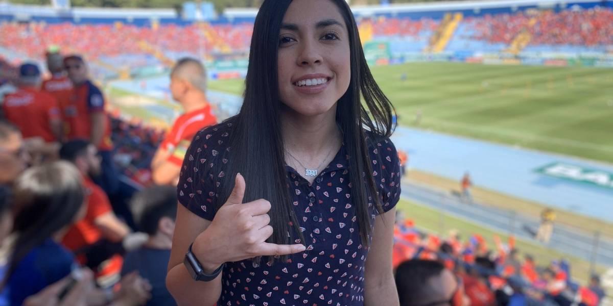 Futbolista guatemalteca celebra 30 años en un lugar emblemático