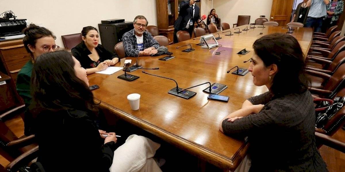 Ministra Zaldivar hizo un gesto a diputadas impulsoras del proyecto de las 40 horas