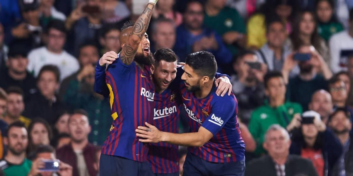 La imagen del momento exacto en que Messi, Suárez y Bartomeu presionan a Vidal para que no se vaya de Barcelona