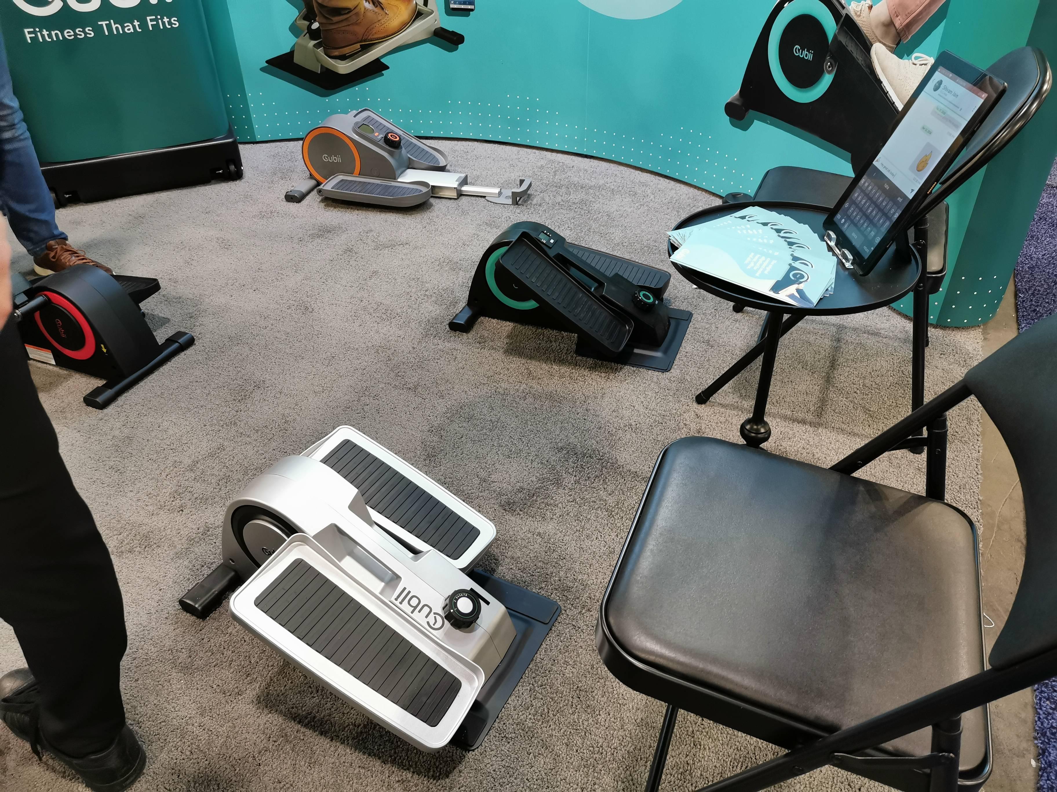 Oficinas: Bicicleta elíptica para piernas te ayuda a ejercitar cuando estas sentado #CES2020