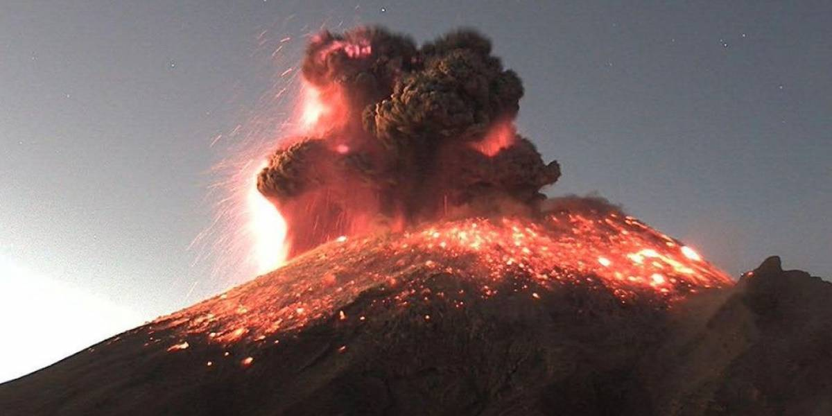 Impactantes imágenes de explosión del volcán Popocatépetl en México