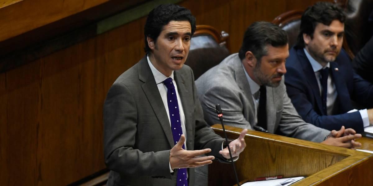 """Ministro Briones y demandas sociales: """"Debemos ser responsables, reformistas, pero también realistas"""""""