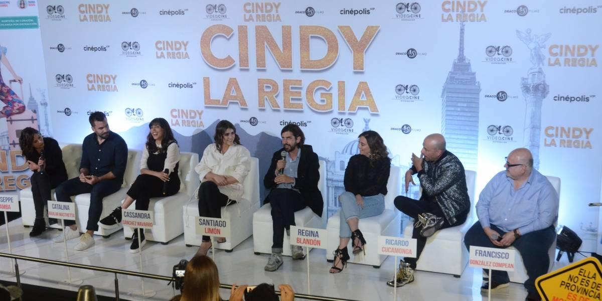 Cindy la Regia lleva un poderoso mensaje