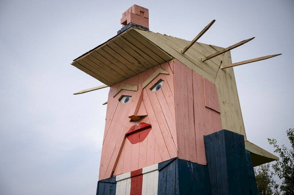 Estatua de Donald Trump en Eslovenia