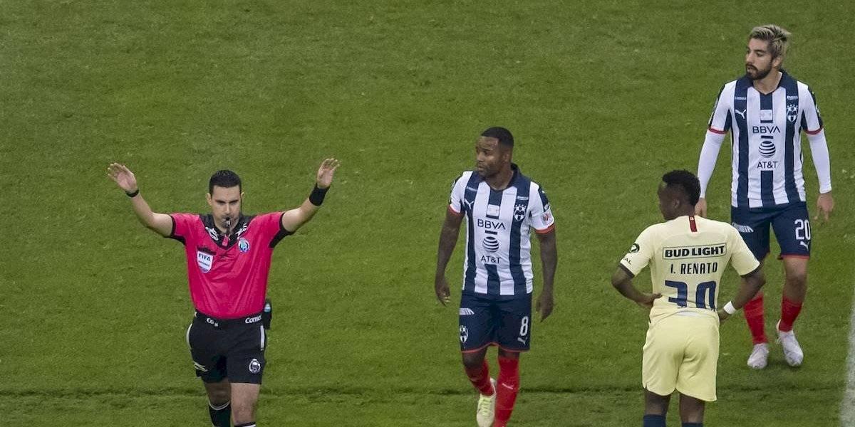 César Ramos será suspendido 4 partidos por no pitar penal al América en la final